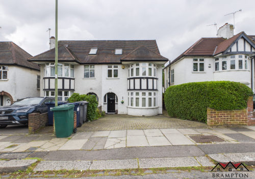 Holders Hill Avenue, Hendon, NW4