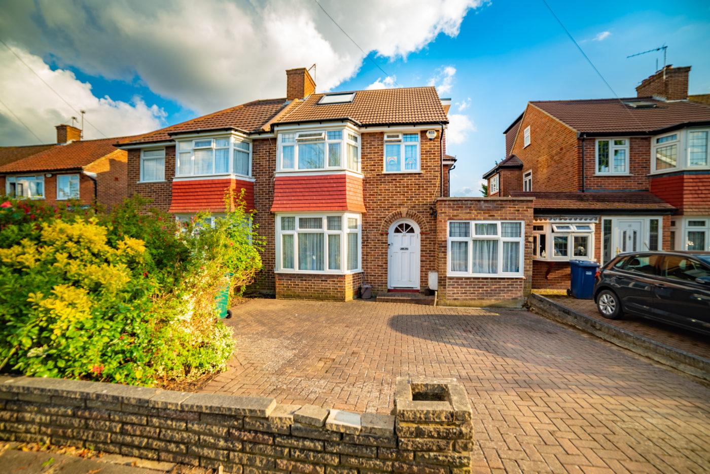 Bullescroft Road, Edgware HA8
