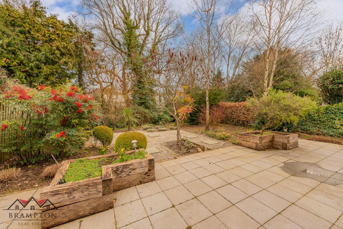 Highview Gardens, Edgware, HA8